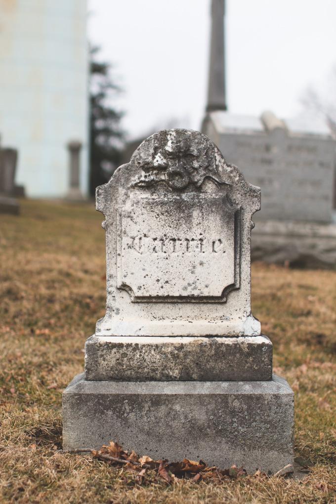 Mound View Cemetery, headstone