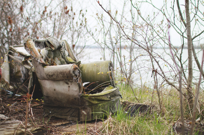 abandoned chair,